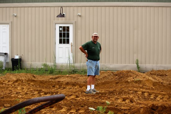 Brimfield, Μασαχουσέτη: Owner Lester Twarowski  is determined to reclaim his campground from that tornado a few years ba