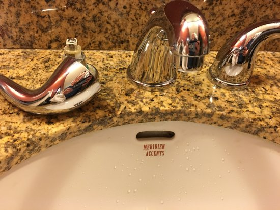 DoubleTree by Hilton Hotel Atlanta - Northlake : Guess I didn't need hot water......