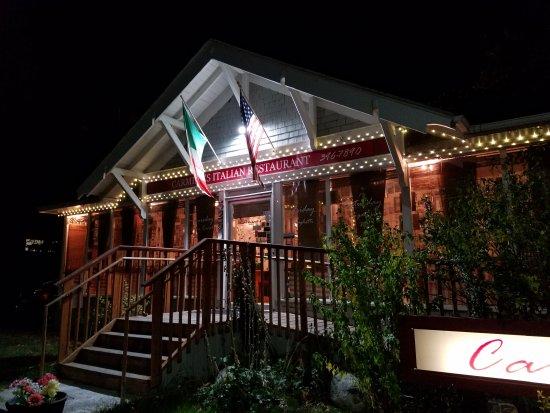 Carmine's Restaurant : Picture at night beautiful