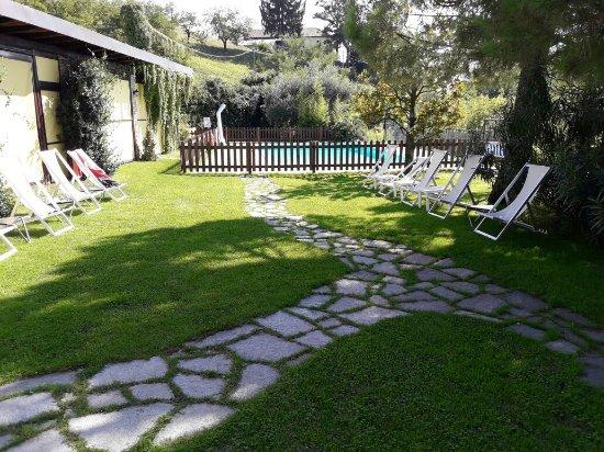 Vinchio, Italië: Trovo il posto incantevole, la cucina ottima e Fabrizio, il proprietario, una persona   brillant
