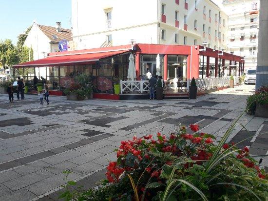 Oyonnax, Prancis: 20160924_144614_large.jpg