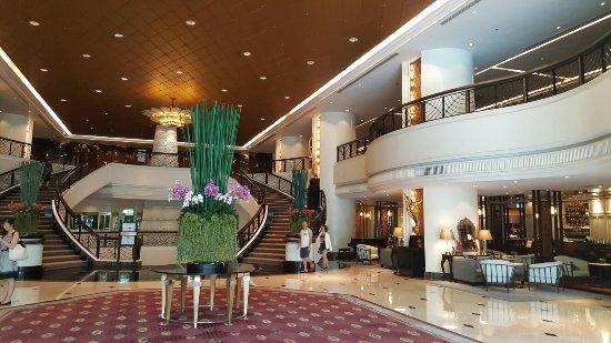 Plaza Athenee Bangkok, A Royal Meridien Hotel: 20160922_094738_large.jpg