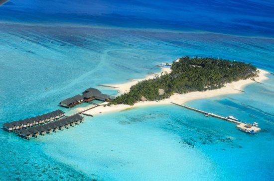 Ziyaaraifushi Island: Aerial view