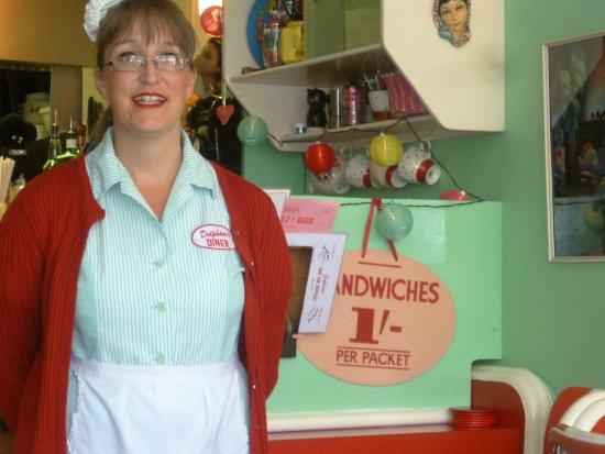 Aldeburgh, UK: Cheerful, enthusiastic waitress