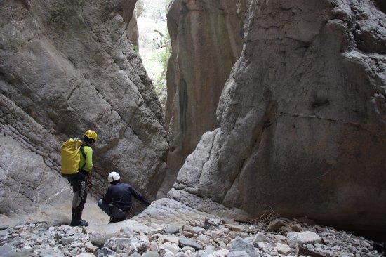 Zafferana Etnea, إيطاليا: Dentro un canyon secco