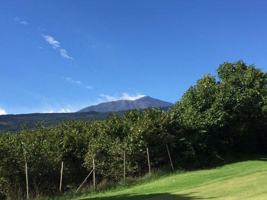 Castiglione di Sicilia, Italia: Mount Etna from the golf course