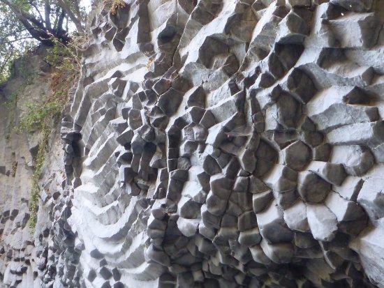 Zafferana Etnea, Italia: Basalto colonnare - Gole dell'Alcantara