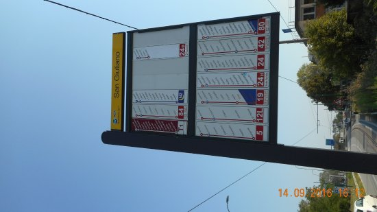 Russott Hotel : bus stop towards Venice