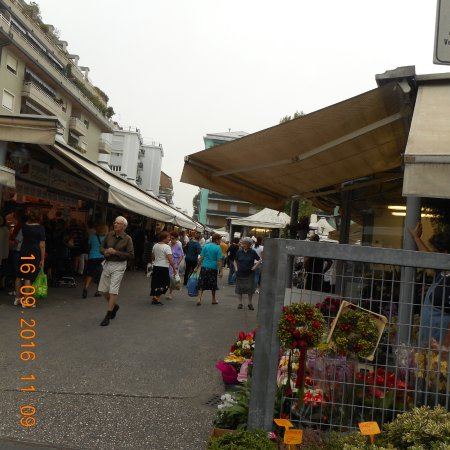 Russott Hotel : Local Market at the town centre