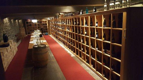 Guttannen, Suiza: Weinkeller
