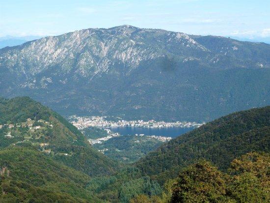 Varallo, Ιταλία: Vista del lago d'Orta