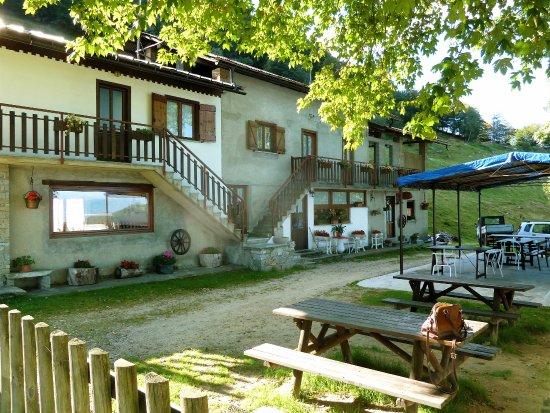 Varallo, Italië: Azienda Alpe Sacchi