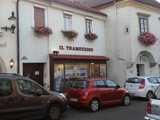 Perchtoldsdorf, Avusturya: 20160924_182330_large.jpg