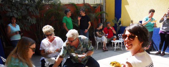 Oaxaca, Mexico: Students enjoying some tamales and sun in the patio