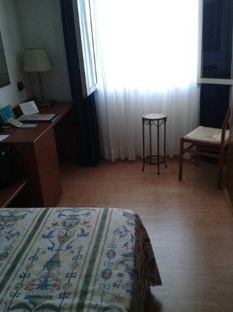 Hotel Tritone: The single room without balcony