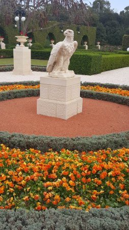 Acre, Israël: Sculptures and gardens