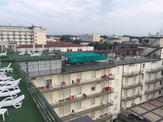 Hotel Grand Torino : Troosteloos uitzicht