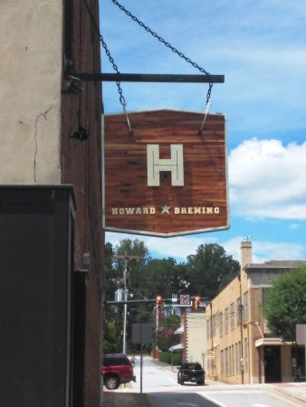 Lenoir, NC: outside sign for Howard's Brewing