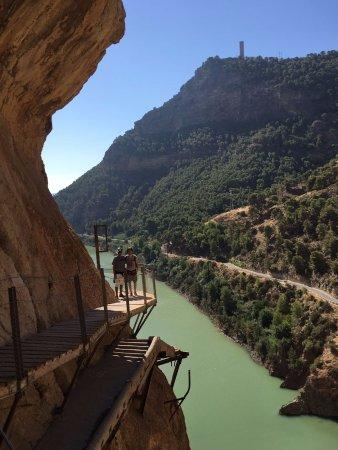 Алора, Испания: pasarela en una esquina