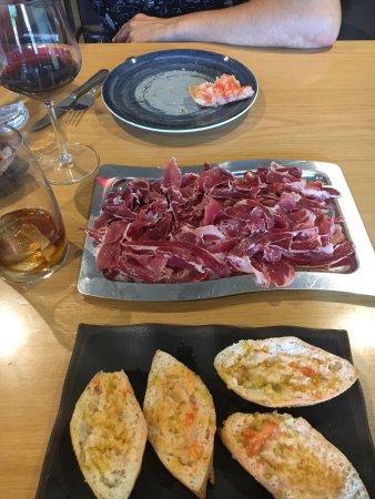 El Prat de Llobregat, España: Muy buen jamón y ración muy completa, con pan para celiacos!!