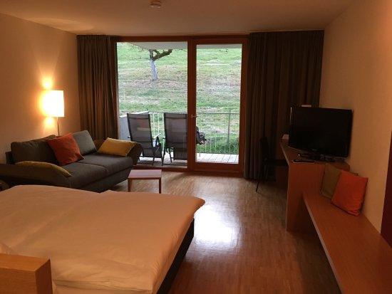 Eggingen, Tyskland: Zimmer 25 und Saunabereich