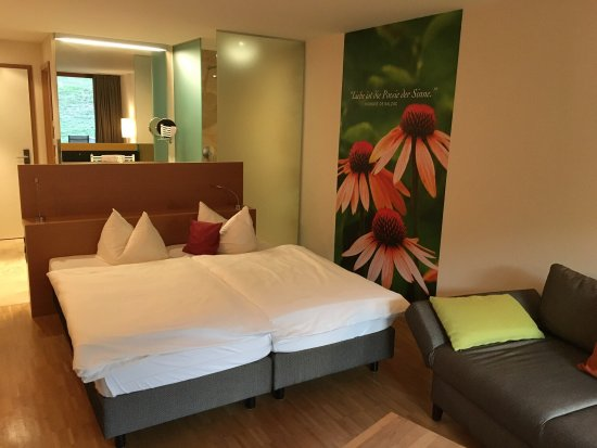 Eggingen, Niemcy: Zimmer 25 und Saunabereich