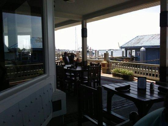 Brett's Waterway Cafe: Water View