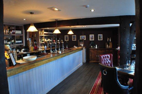 Ruthin, UK: Dining area and bar