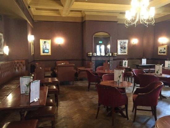 photo4 jpg picture of earl of lonsdale pub london tripadvisor rh tripadvisor co uk