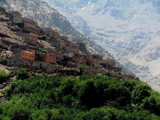Imlil, Maroko: the village of Aremd at the foot of high Atlas in Morocco