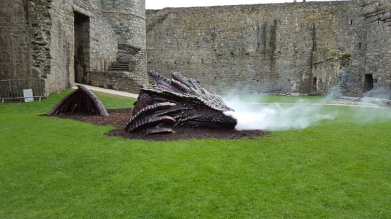 Harlech, UK: There's a dragon in the keep!