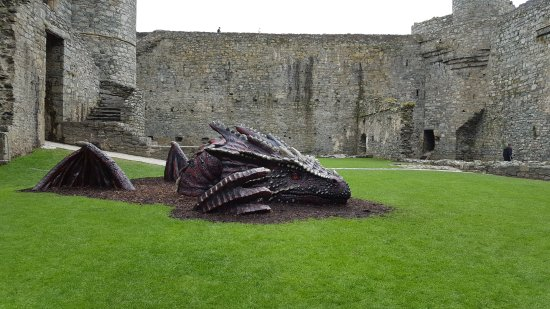 Harlech, UK: Dragon!