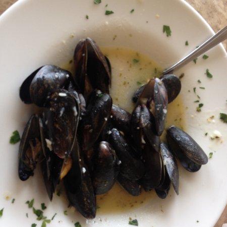 Belmar, NJ: Mussels Scampi App. $10