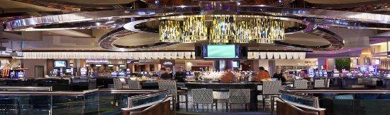 Des Plaines, إلينوي: The center of Rivers Casino - Lotus