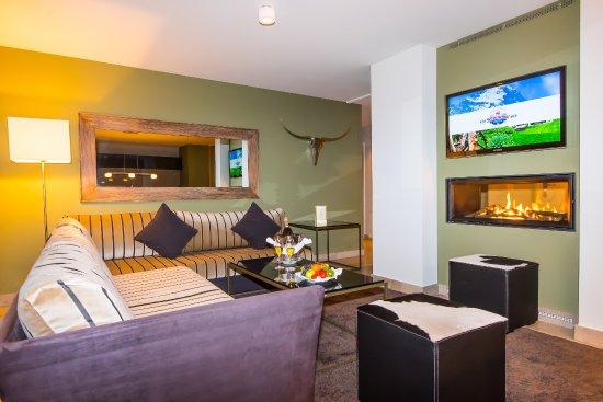"""Romantik Hotel Schweizerhof Grindelwald : Chalet """"Ostegg"""" Superior Suite mit Eigerblick"""