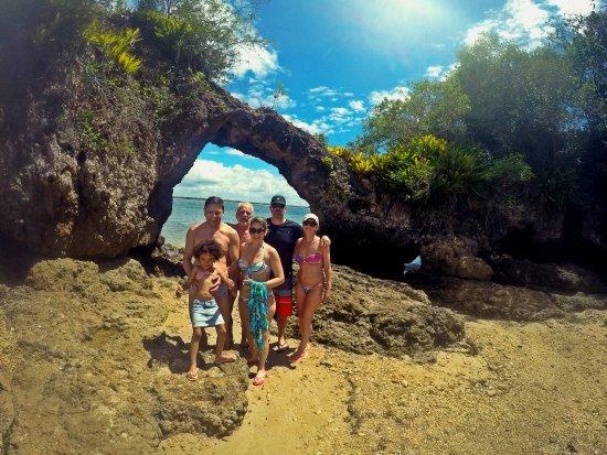 Marau, BA: Pedra Furada na ilha de mesmo nome