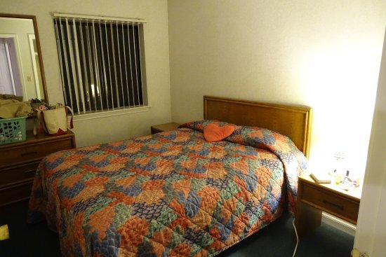 Sands Resort: Separate Bedroom with a comfortable mattress