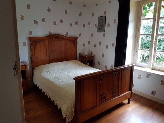Moutier-Malcard, ฝรั่งเศส: Kamer met 1 bed, 140cm breed, twijfelaar dus