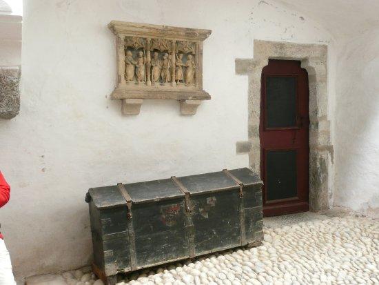 Cermes, Italia: Eingang zur Kapelle
