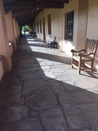 La Posada Hotel: An exterior walkway just outside the Turquoise Room, a fine-dining restaurant.