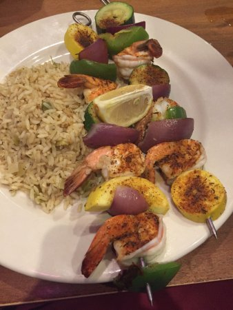 Granbury, Техас: Awesome shrimp kabobs with rice and a side salad