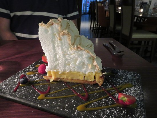 Tavistock, UK: Amazing Lemon Meringue Pie