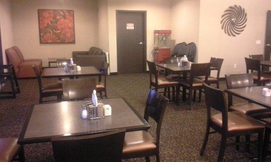 Innisfail, Canada: dining room