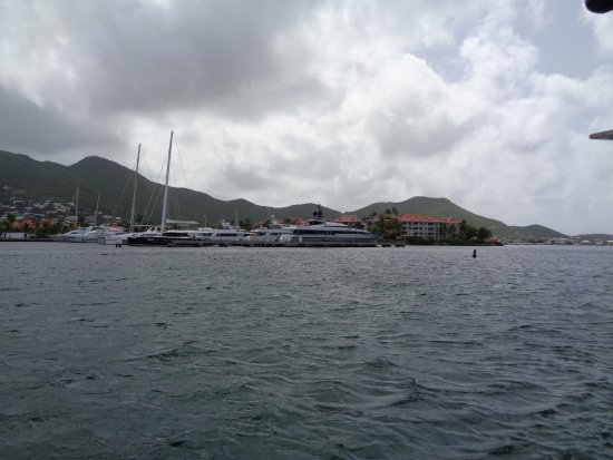 Coconut Reef Power Boat Tours & Charters: Dutch Side