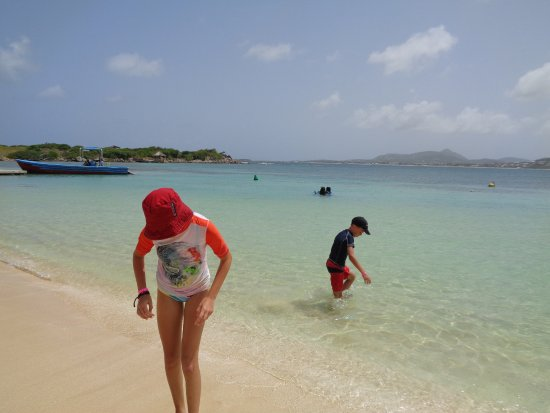 Simpson Bay, St Marteen/St. Martin : Beach on French Side