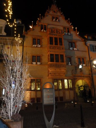 Facade De L Hotel De Nuit Photo De La Maison Des Tetes Colmar Tripadvisor