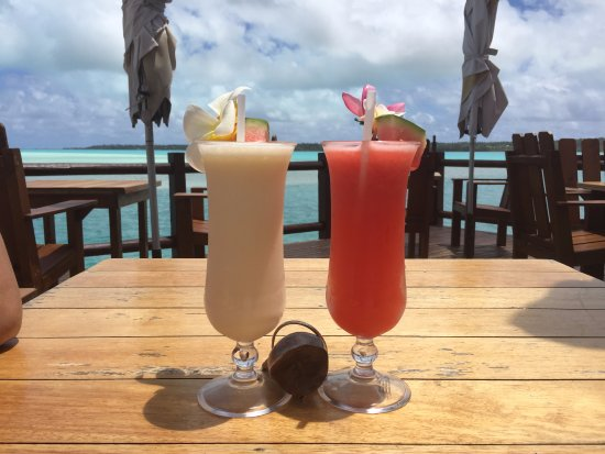 Aitutaki Lagoon Resort & Spa: View of the water from the cafe