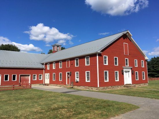 Old Chatham, NY: Beautiful farm buildings
