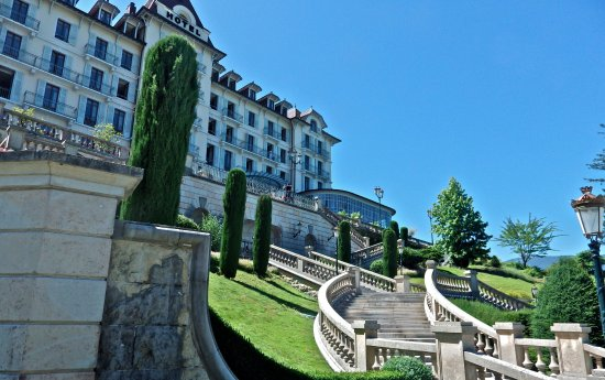 Menthon-Saint-Bernard, Fransa: vue d'ensemble de l'hôtel....