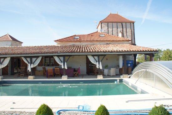 Zwembad In Huis : Zwembad huis picture of charme et douceur de rosies dunes